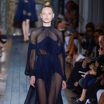 valentino-fall-2012-couture-runway-01_110215602413