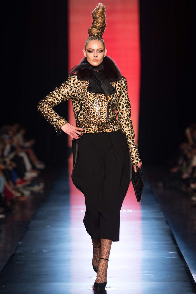 jean-paul-gaultier-fall-2013-couture-01_130805461840