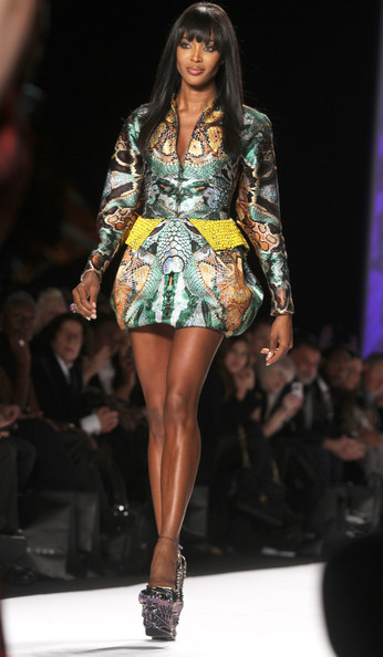 Naomi+Campbell+Fashion+Relief+Haiti+Show+NYC+RBGCn_atjF6l