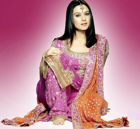 bollywood-pretty-zinta-shalwar-kameez