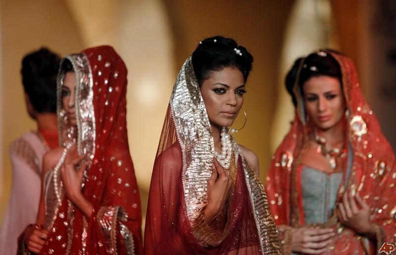 india-fashion-2011-7-23-8-21-27