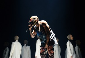 112113_Tommy_Ton_Kanye_West_Concert_slide_01-300×205