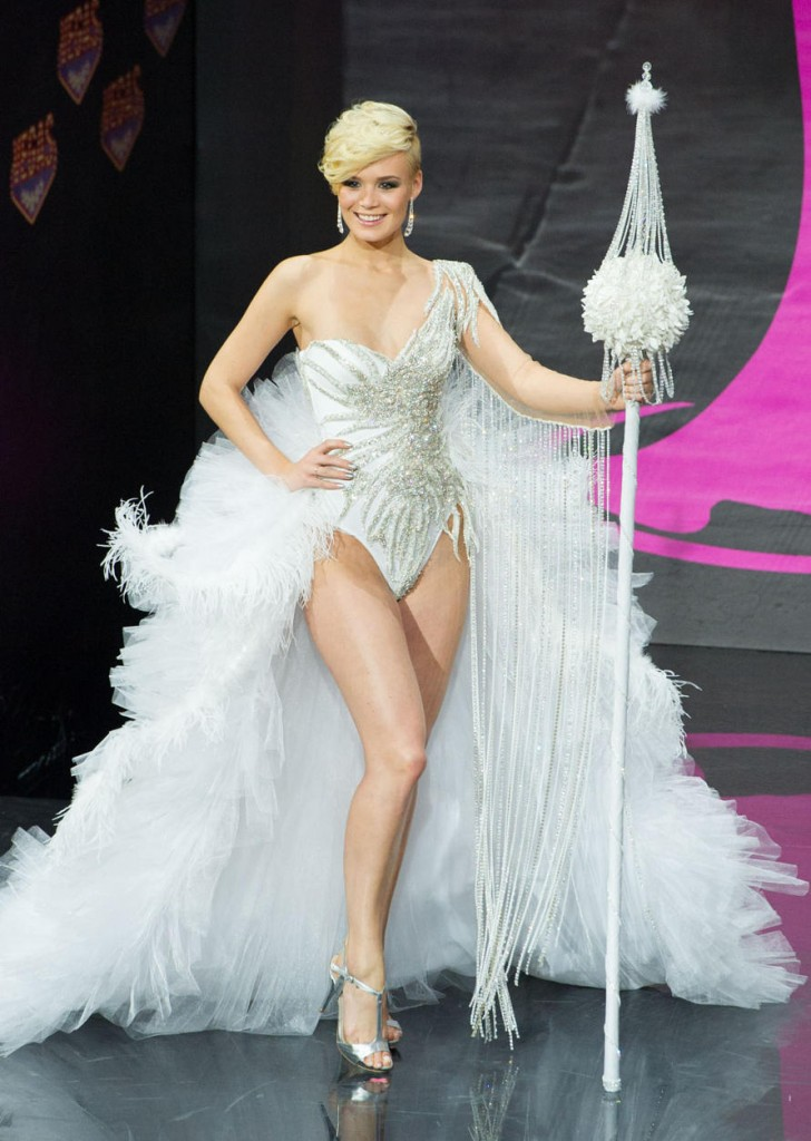Miss-Universe- National-Costumes-2013