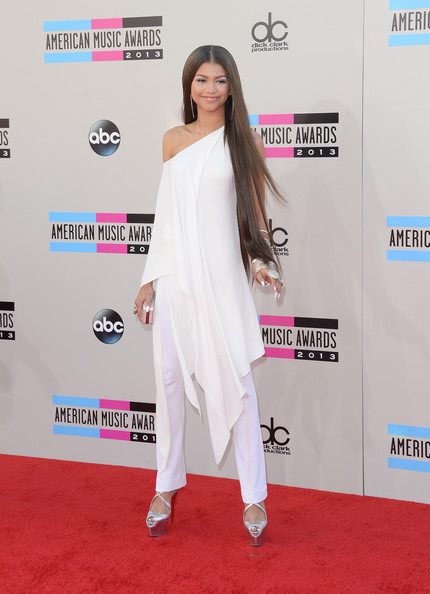 2013+American+Music+Awards+Arrivals+QHRCJZOWL4ll