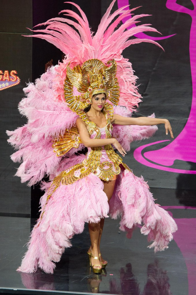 Miss-Univers- National-Costumes-2013