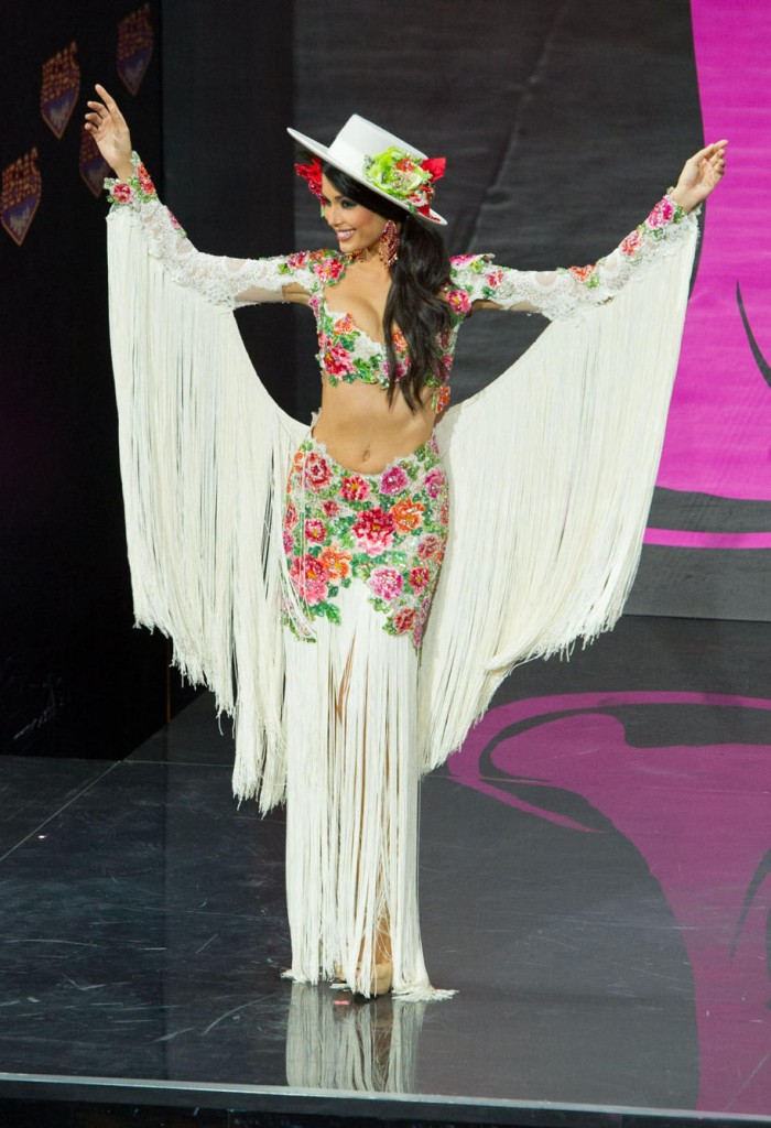 Miss-Universe-National-Costumes-2013