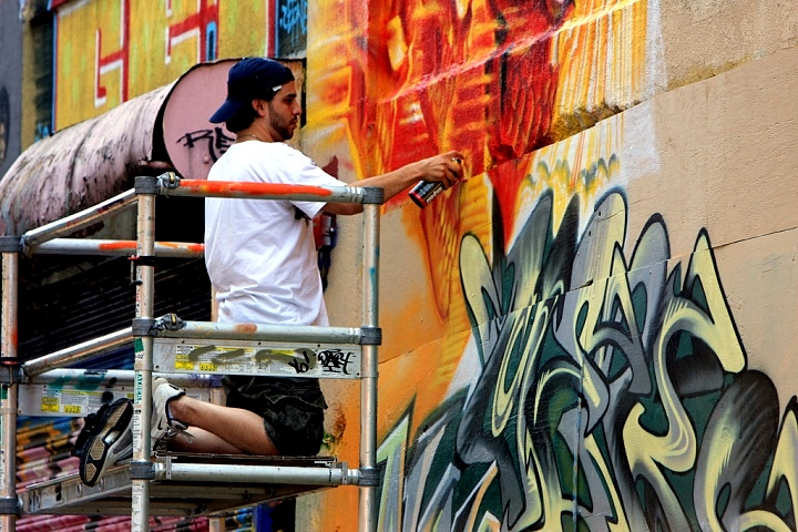 Cortes-paints-at-5Points-NYC