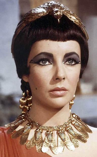 elizabeth-taylor-in-cleopatra-elizabeth-taylor-6523994-384-620