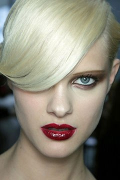 louis-vuitton-ss-2011-red-lips240-1289930394