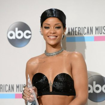 rihanna-american-music-awards-doobie-hairstyle-2