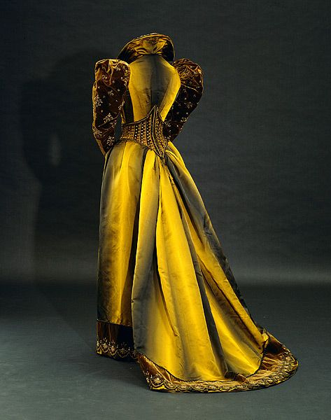 1890'S0GOWNS-HISTORY-OF-FASHION