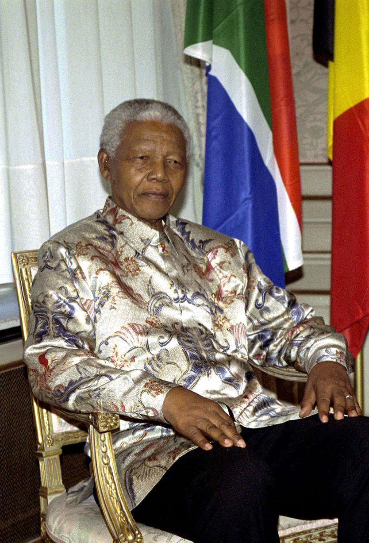 Oct 2001- Nelson Mandela-1486227