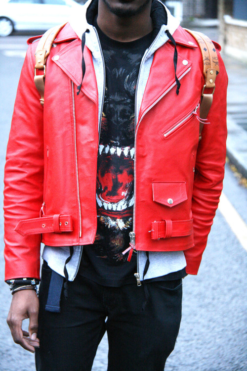 la-modella-mafia-Spring-2013-fashion-week-street-style-trend-Givenchy-animal-print-tees-1