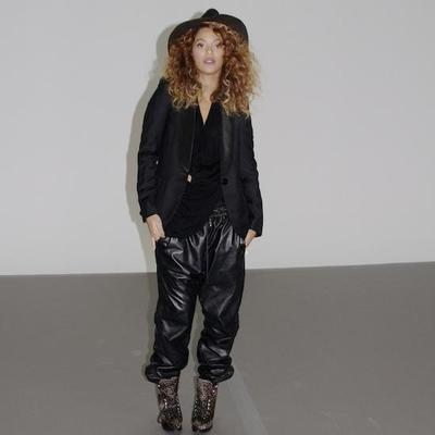 leather-jogging-pants-beyonce_400sq
