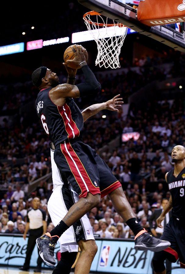 LeBron- James – Nike -Zoom- Soldier 7 -nba-finals