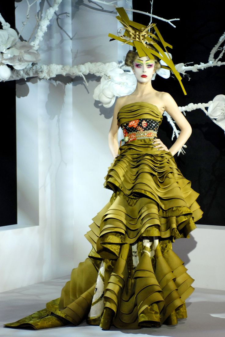 Christian Dior S/S 2007 Couture collection