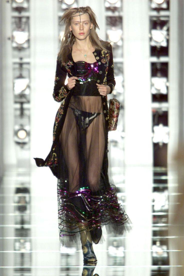 Christian Dior Fall 2001 Ready to Wear
