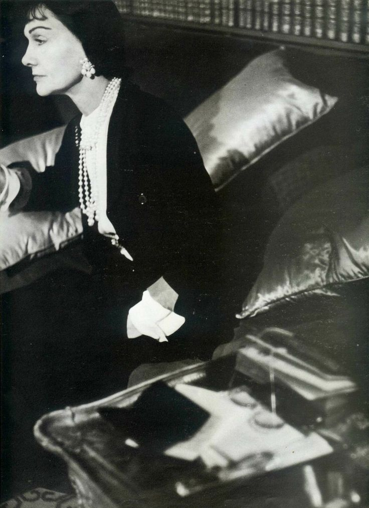 1954 – Coco Chanel. Photo by Henry Clarke.