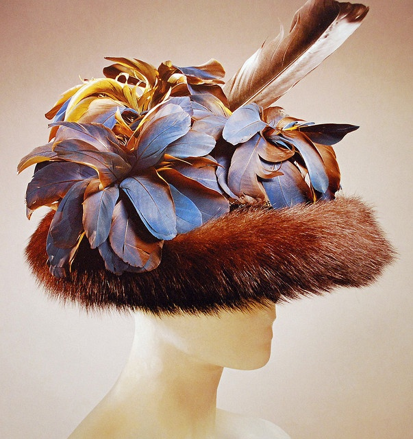 vintage Elsa Schiaparelli hat