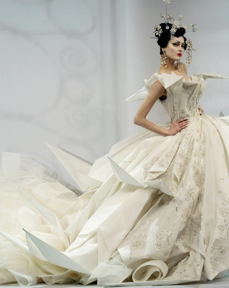 Shalom Harlow in Christian Dior - SS 2007 - Haute Couture - Design by John Galliano -