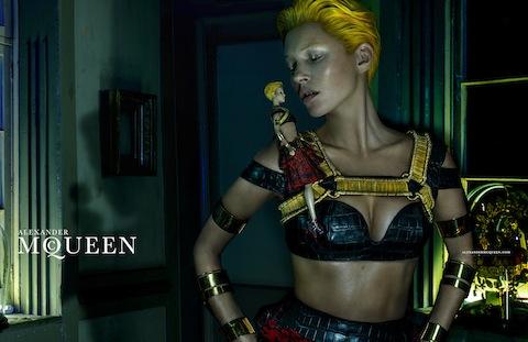 Kate-Moss-for-Alexander-McQueen-1