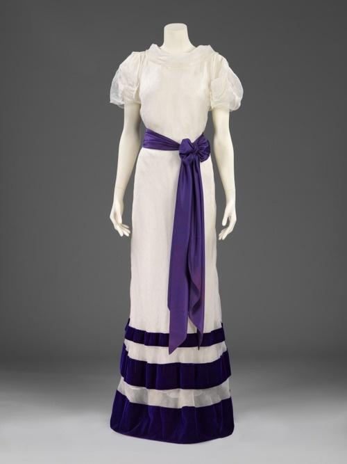 Elsa Schiaparelli, 1936 The Victoria & Albert Museum