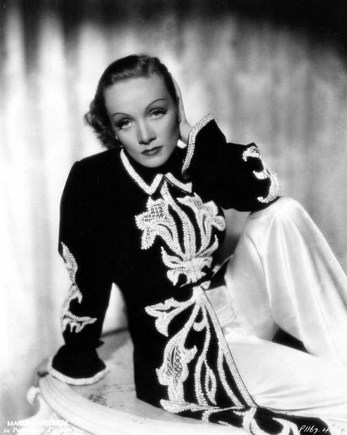 Marlene Dietrich in Schiaparelli