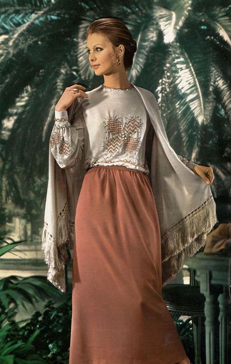 1972 - Karl Lagerfeld 4 Chloé dress in Jour de France