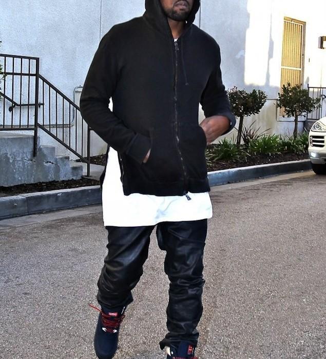 Kanye-West-wearing-Patta-x-Kangaroos-Woodhollow-Heritage-Hiking-Sneaker-Boots-Upscalehype-6-635×700