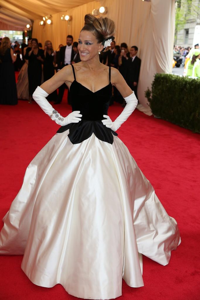 Sarah Jessica Parker in Oscar de la Renta.