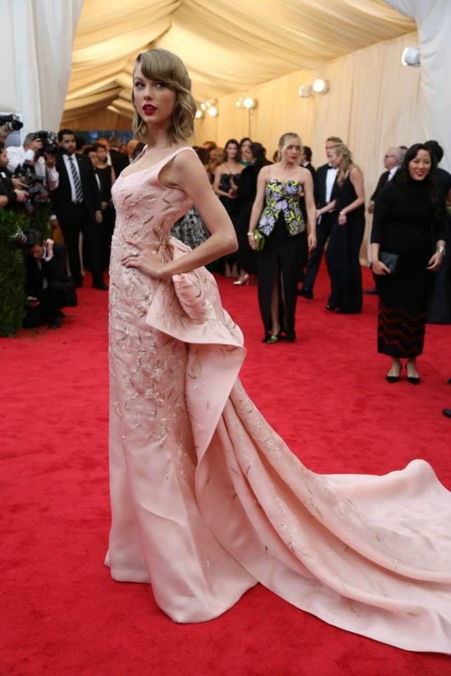 Taylor Swift in Oscar de la Renta. at The Met Gala 2014