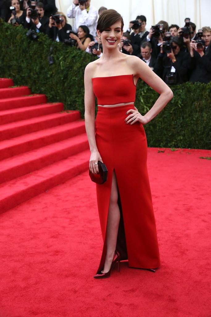 Anne Hathaway in Calvin Klein.