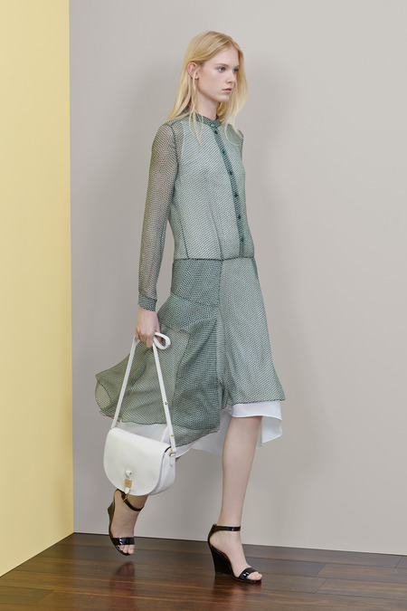 Mulberry_001_1366.450×675