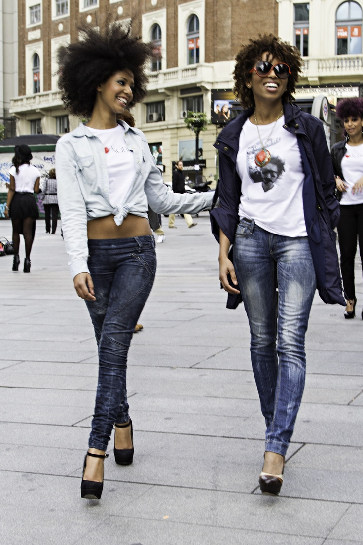 Afro, jeans