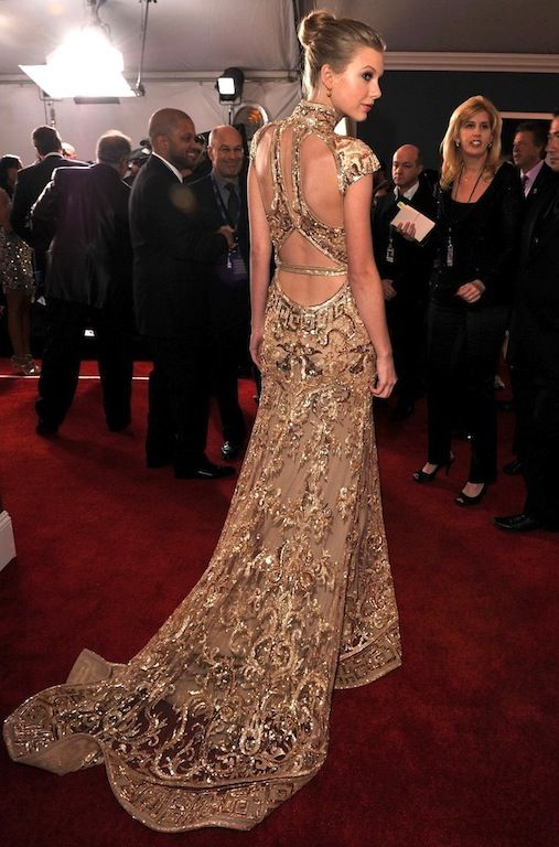 Taylor Swift in Zuhair Murad at Grammy Awards on February 12, 2012 i