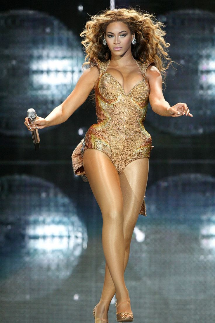 Beyonce rocking Thierry Mugler at the Staples Center on July 13, 2009 in Los Angeles, California.