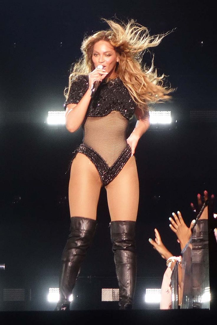 Beyonce and Jay-Z concert On The Run Tour kicks off in Miami. The On the Run Tour