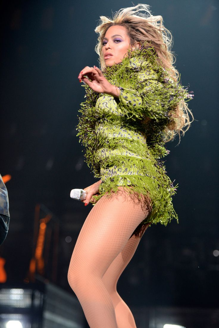 """Beyonce rocking Emilio Pucci. during """"The Mrs. Carter Show World Tour"""" at the Barclays Center on December 22, 2013 in New York, New York."""