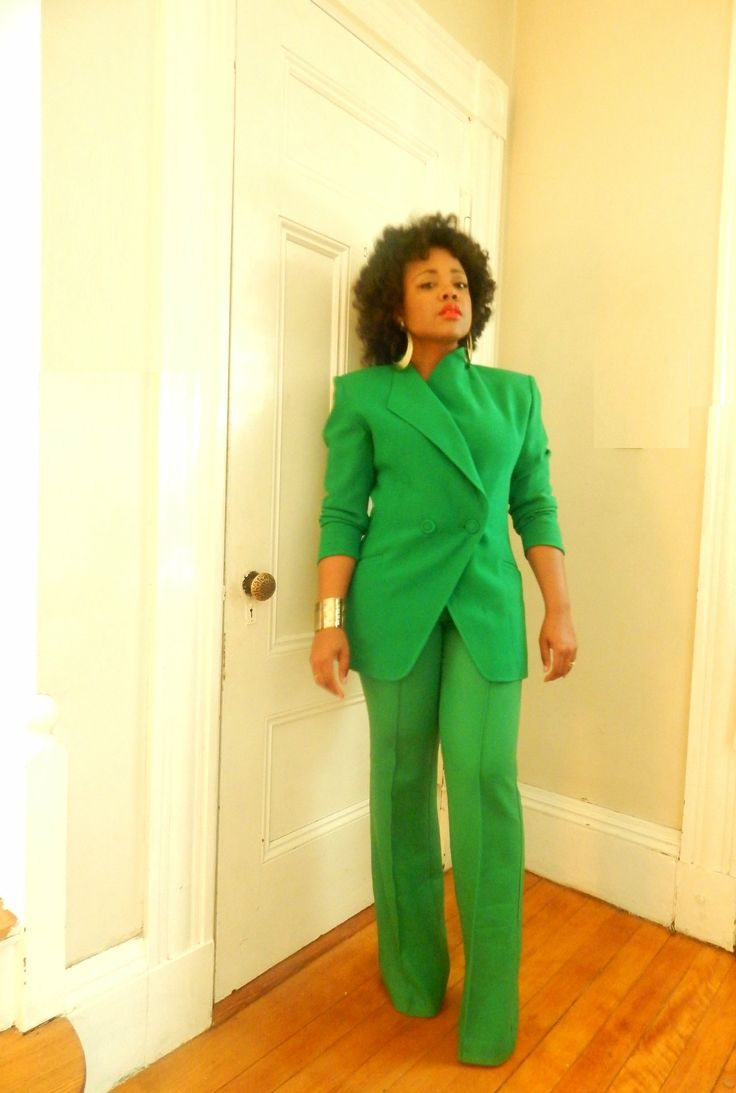 Green structured jacket and pants