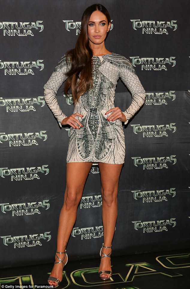 article 2710486 201EC4A400000578 770 634x962 Megan Fox in Zuhair Murad at the Teenage Mutant Ninja Turtles Premiere