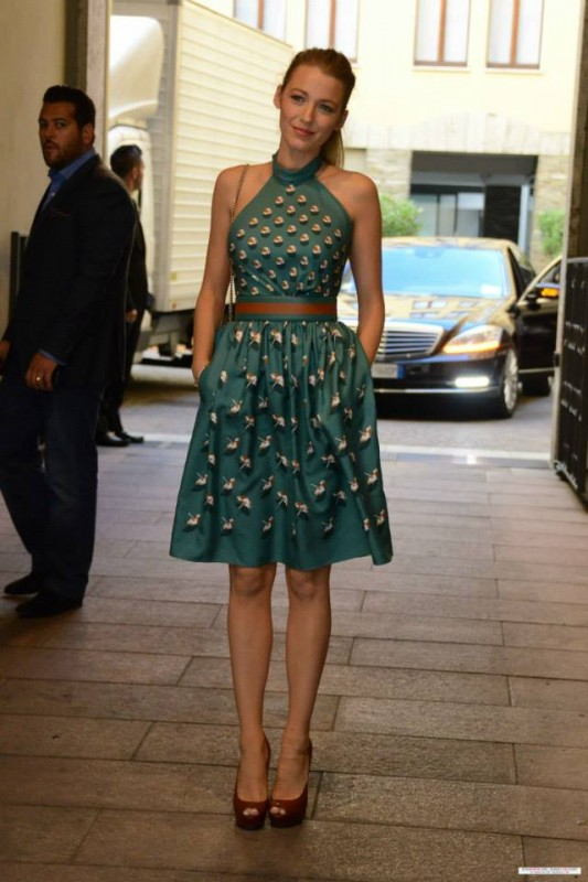 Blake Lively at the Milan Fashion Week, September 19, 2013 · in a Gucci Resort 2014 Dress and Gucci Lili Satin Platform Pumps