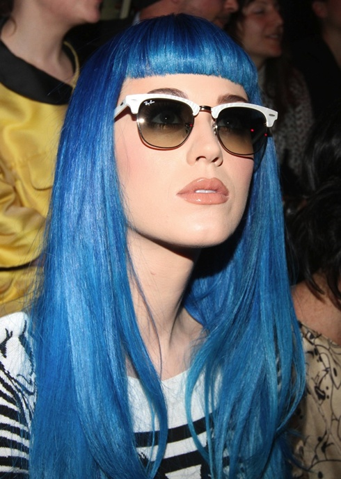 celebrities-with-blue-hair