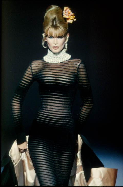 spring–summer 1995. Claudia Schiffer, in Thierry Mugler,