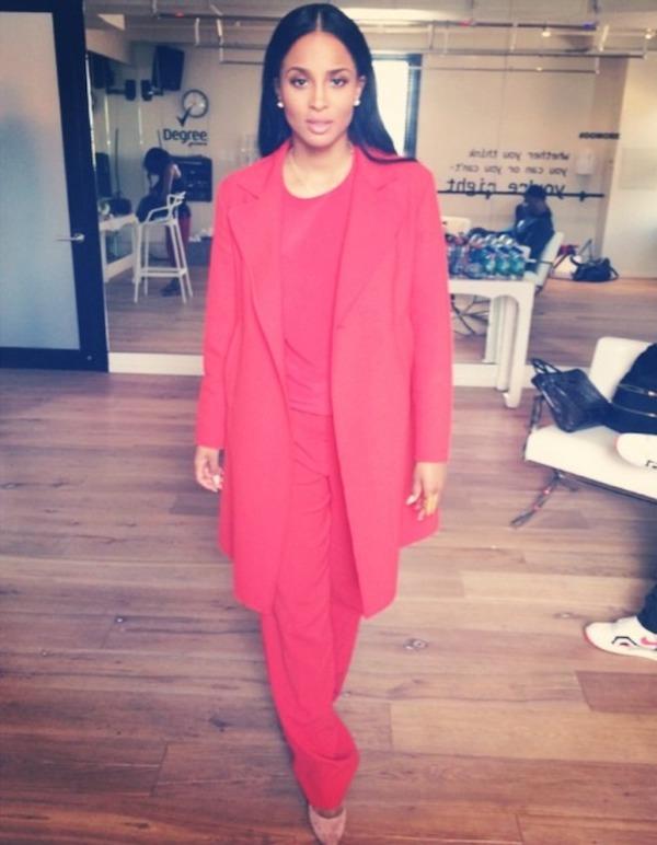 1-Ciaras-NBC-Studios-Sportmax-Resort-2015-Red-Coat-Sweater-and-Pants- (2)