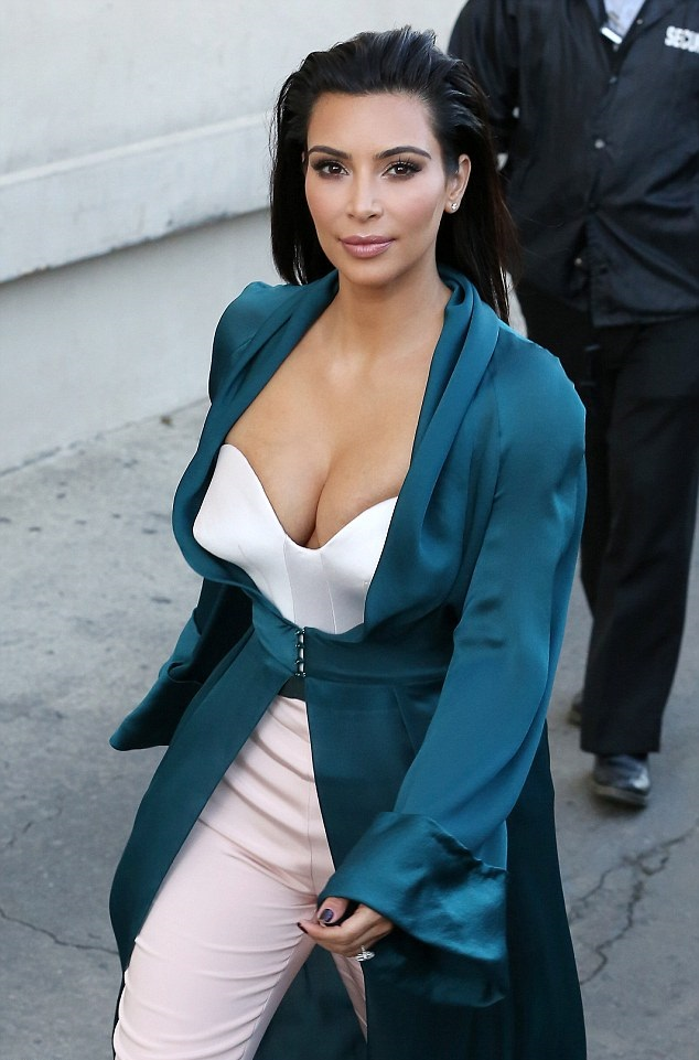 Kim-Kardashian-In-Ulyana-Sergeenko-Spring-2014-Couture-Emerald-Green-Silk-Jacket-and-Pink-Trousers-on-Jimmy-Kimmel-Live-5