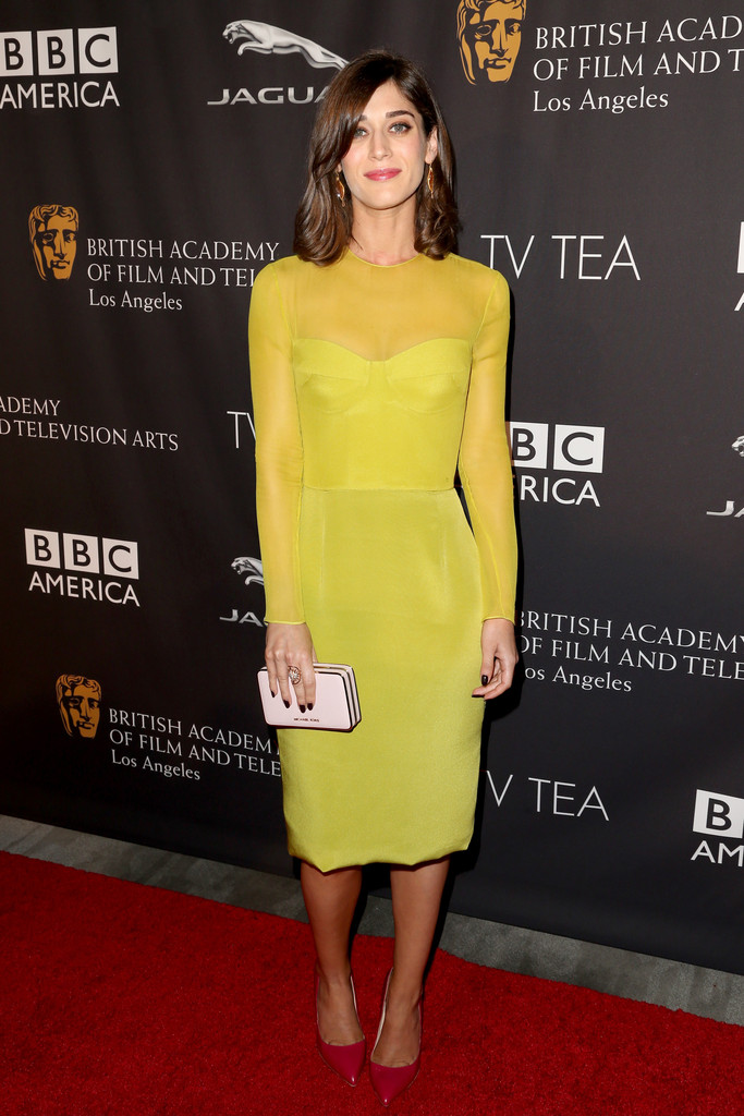 Lizzy-Caplan-in-Cushnie-et-Ochs-2014-BAFTA-Los-Angeles-TV-Tea-Party-2