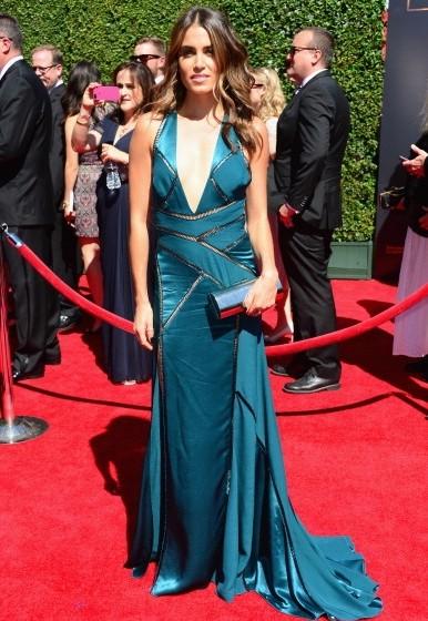 Nikki-Reed-Wearing-Versace-Creative-Arts-Emmy-Awards-2014-386×560