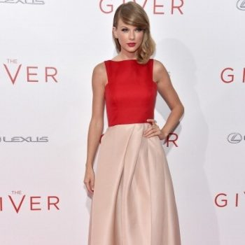 Taylor-Swift-The-Giver-New-York-Premiere-395×560