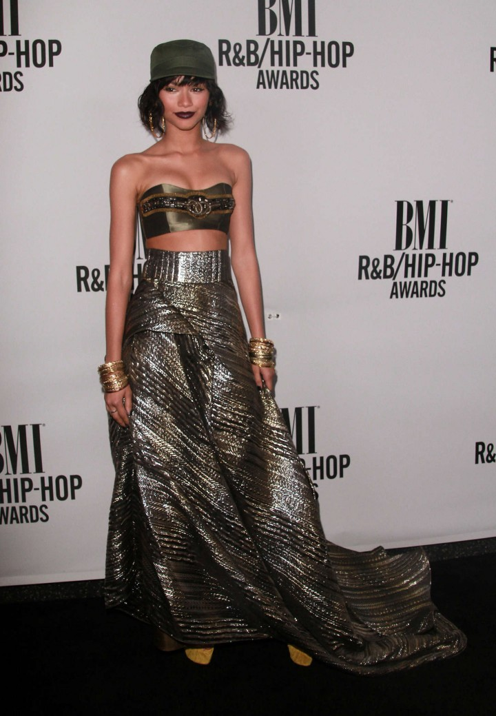 Zendaya-Coleman-Hot-at-2014-BMI-R-B-Hip-Hop-Awards-04-720×1039-1