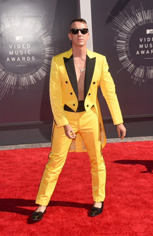 jeremy-scott-2014-mtv-vmas-1